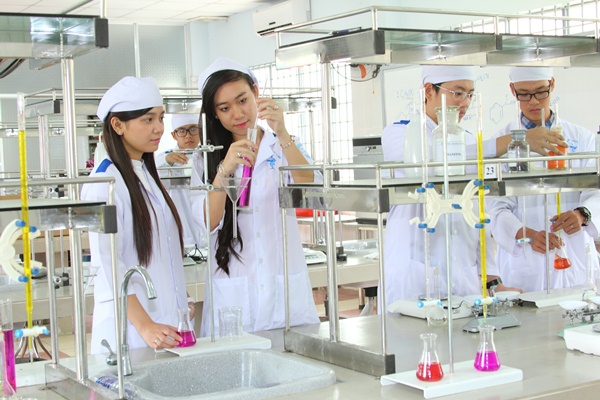 Các trường có ngành Dược ở TPHCM uy tín nhất hiện nay